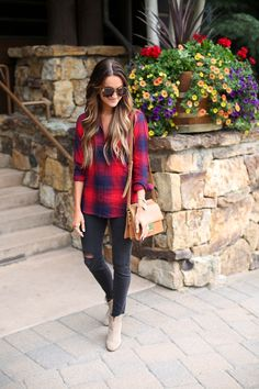 red and blue plaid - Lauren Kay Sims Blue Flannel Outfit, Plaid Shirt Outfits, Preppy Outfits, Blue Plaid, Cool Outfits, Plaid Shirts, Fall Winter Outfits, Autumn Winter Fashion, Beautiful Outfits