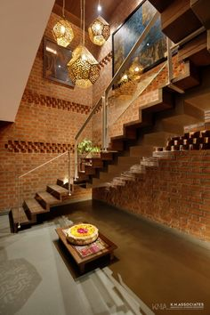 Penthouse Apartment which Amalgamates Contemporary With Tradition Home Stairs Design, Home Room Design, Modern House Design, Home Interior Design, Interior Decorating, Stair Design, Mansion Interior, Indian Home Design, Indian Home Interior