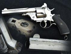 Révolver de type Pryse de fabrication Belge, capacité 5 coups simple en calibre 500. Canon long de 142 mm.