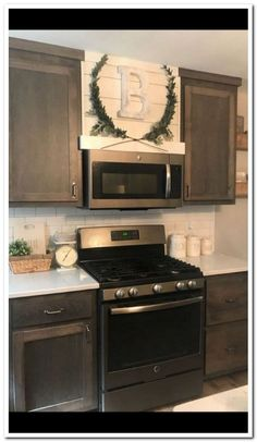One Simple Trick for Kitchen Decor Ideas Apartment Small Spaces Unveiled – a… - Home Professional Decoration Kitchen Redo, Home Decor Kitchen, New Kitchen, Home Kitchens, Kitchen Dining, Kitchen Ideas, Rustic Kitchen Decor, Dining Rooms, 1960s Kitchen