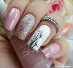 Dusty pink and glitter nails with a pretty white floral accent nail.-- Dusty pink and glitter nails with a pretty white floral accent nail. Ombre Nail Designs, Black Nail Designs, Nail Art Designs, Nails Design, Spring Nail Art, Spring Nails, Spring Art, Fabulous Nails, Perfect Nails