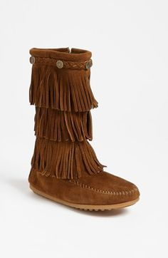 Minnetonka Fringe Boot | I want to get Alyson a pair this winter, only cheaper ones lol. Hopefully I can find some on Zulily that are cheap.