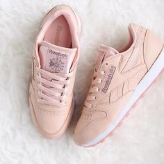 Sneakers femme - Reebok Classic (©theliveitup)