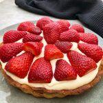 Klassisk jordbærtærte med creme Banana Cream, Food Cakes, Cream Pie, Pavlova, Super Bowl, Cake Recipes, Deserts, Food Porn, Caramel