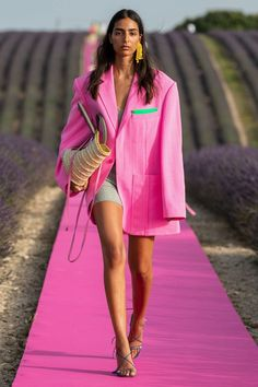 Neon and Hot pink at Jacquemus Spring 2020.