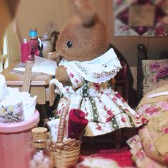 Sylvanian Families House, Bunny Toys, Family Outfits, Doll Houses, Bjd, Kids Toys, Miniatures, Couture, Dolls