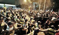 Como transformar manifestantes em terroristas