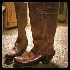 Women's Ariat boots Brand new never been worn size 8 women's boot Ariat Shoes