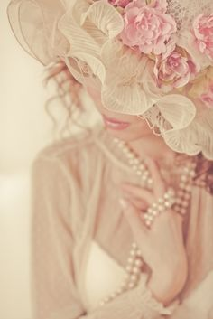 Romantic in Pink fashion girly pink hat lace pearls classy lady ruffle Up Girl, Girly Girl, Pink Girl, Miracle Woman, Pretty In Pink, Retro, Little Presents, Beauty And Fashion, Pink Fashion