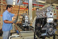 A fábrica de motores da Volkswagen do Brasil, em São Carlos-SP, tem dupla comemoração esta semana: 20 anos e 10 milhões de motores produzidos. Leia mais