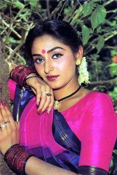 Джайя Прада Hindi Actress, Indian Film Actress, Old Actress, Bollywood Actress, Indian Actresses, Rekha Saree, Pulled Back Hairstyles, Vintage Bollywood, Most Beautiful Indian Actress