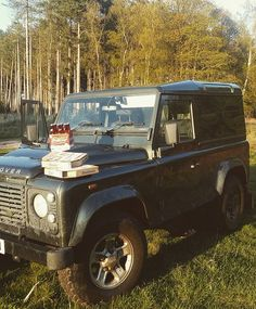 I love fine food and wine but sometimes you can't beat a simple date night on a beautiful evening with pizza and beer #weekend #datenight #landroverdefender #landroverfun #defender90 #tdci #greenlanes #beer #pizza #countrylife #countrycouple #norfolk #love #beautiful #spring by amyx1314 I love fine food and wine but sometimes you can't beat a simple date night on a beautiful evening with pizza and beer #weekend #datenight #landroverdefender #landroverfun #defender90 #tdci #greenlanes #beer…