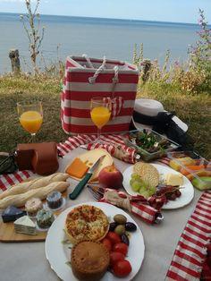 Loving the evening picnic!   Loving the evening picnic.