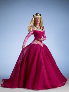 PRINCESS AURORA - amazing in this gorgeous pink gown - by Tonner Doll