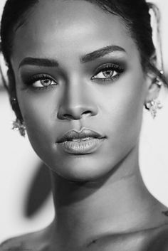 Rihanna One of the better pics of her face.