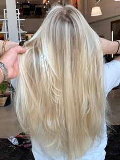 Blonde Hair Looks, Honey Blonde Hair, Platinum Blonde Hair, Black Girl White Hair, Blonde Hair Inspiration, Hair Inspo, Hair Color Guide, Grey Wig, Pixie