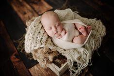 Viroqua Wisconsin Newborn Photographer