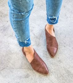 A side cutout, slip on ankle bootie with a hand distressed wooden heel. The Genuine leather insole makes for all day comfort. PRE-ORDER