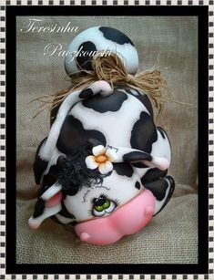 Teresinha Paczkowski: potes de biscuit countryn, polymer clay jar Best Picture For butter swim biscuits For Your Taste You are looking for something, and it is going to tell you exactly what you are l Polymer Clay Projects, Polymer Clay Art, Clay Crafts, Cow Decor, Clay Jar, Painted Clay Pots, Clay Animals, Clay Flowers, Sugar Art