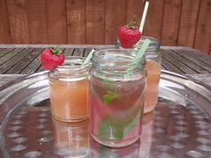 Google Image Result for http://www.frenchweddingstyle.com/wp-content/uploads/2012/08/jam-jar-cocktails.jpg