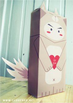 LovelyWolfBox : boîte cadeau en papertoy !    http://www.paper-toy.fr/2012/12/11/lovelywolfbox-boite-cadeau-en-papertoy/    #papertoys #papercraft #paper #arts #toys #cute #GiftBox #DIY