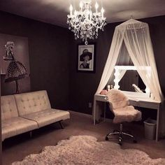 I've been looking on Pinterest and other internet sources for inspiration for my #BeautyRoom I want my clients to feel relaxed and to enjoy their experience with me as their makeup artist. #interiordesign #inspiration #makeuproom #vanity #beauty #makeuplover #makeupartist #chanel #glam #modern #mua #travelingmua #photography #facechangeher http://ameritrustshield.com/ipost/1551054294709446132/?code=BWGc6nHgCX0