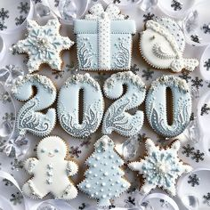 2019 Cute and Beauty Christmas Biscuits Ideas - Page 4 of 4 - Vida Joven Cookies Cupcake, Cute Cookies, Royal Icing Cookies, Christmas Biscuits, Christmas Sugar Cookies, Holiday Cookies, Snowflake Cookies, Christmas Gingerbread, Christmas Christmas