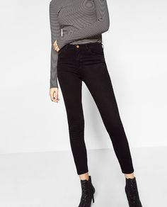 Image 2 of HIGH-WAISTED JEANS ESSENTIAL FITS from Zara