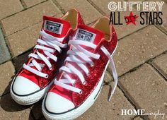 Make your Converse shoes sparkle with this glittery how-to! Make your Converse shoes sparkle with this glittery how-to! Converse All Star, Sparkle Converse, Converse Shop, Bling Converse, Sparkle Shoes, Vans, Converse Sneakers, Bedazzled Converse Diy, Diy Glitter Sneakers