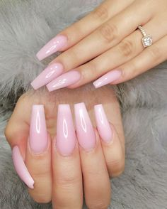 "If you're unfamiliar with nail trends and you hear the words ""coffin nails,"" what comes to mind? It's not nails with coffins drawn on them. It's long nails with a square tip, and the look has. Aycrlic Nails, Dope Nails, Pink Nails, Coffin Nails, Hair And Nails, White Nails, Nagel Hacks, Ballerina Nails, Cute Acrylic Nails"