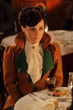 Dr Grace (Murdoch Mysteries) tv detective series set in the Victorian Costume, Steampunk Costume, Period Costumes, Movie Costumes, Murdock Mysteries, Detective Series, Best Mysteries, Amy Pond, Music Tv