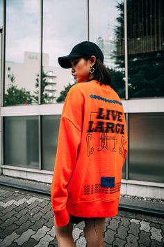 BORN CHAMPS 2016 F/W Lookbook - Part.1 무채색의 다운된 컬러로 디자인된 BORN CHAMPS Korean Fashion, High Fashion, Tee Design, Apparel Design, Streetwear Fashion, Diy Clothes, Long Sleeve Tees, Shirt Designs, Street Wear