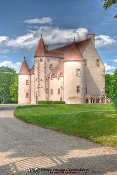 Château de Nassigny ~ Auvergne ~ France