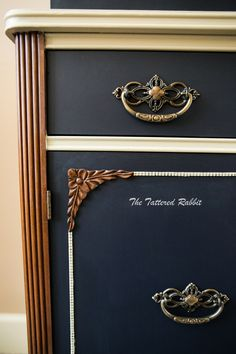 General Finishes Coastal Blue china cabinet makeover/millstone/milk paint/two tone china cabinet with stain
