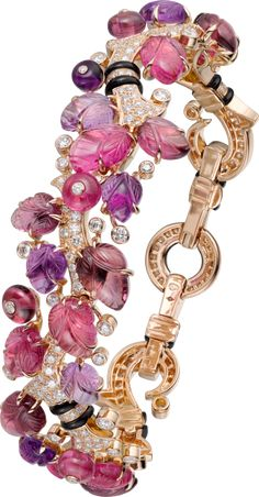 Cartier 'Pierres Gravees' bracelet with amethysts, diamonds, garnets, rubellites, onyx and yellow gold High Jewelry, Modern Jewelry, Jewelry Box, Jewelry Accessories, Jewelry Design, Unique Jewelry, Silver Jewellery, Bracelet Cartier, Cartier Jewelry