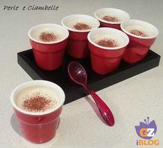 La crema al caffè: 2 tazzine di caffè, 250 ml di panna fresca, 1 foglio di gelatina ( o colla di pesce), 2 cucchiai di zucchero a velo, 2 cucchiaini di zucchero semolato. PREPARAZIONE : Preparate il caffè, aggiungete lo zucchero semolato e lasciatelo raffreddare. Mettete il foglio di gelatina in acqua fredda per almeno 10 minuti, strizzatelo e scioglietelo in 2 cucchiai di panna leggermente riscaldata......