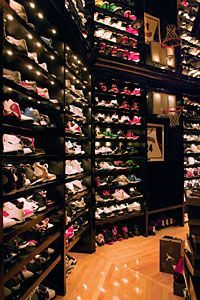Justin& Dream Closet :) Hawks' Joe Johnson Has A Fingerprint Sensor For His Sneaker Closet Room Closet, Master Closet, Walk In Closet, Closet Space, Best Shoe Rack, Ideas Armario, Joe Johnson, Shoe Storage, Storage Ideas