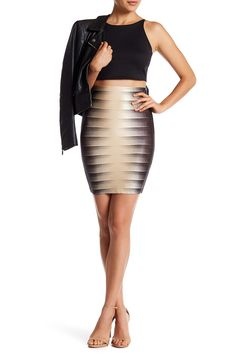 Wow Couture Printed L Sand Skirt. Free shipping and guaranteed authenticity on Wow Couture Printed L Sand SkirtDetails - Back hidden zip with hook-and-eye closu...