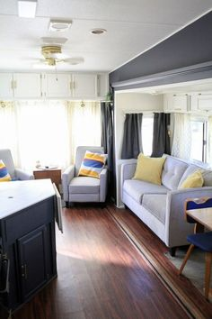 80 Best RV Camper Travel Trailers Remodel for RV Living Ideas - Decorecor Rv Living, My Living Room, Modern Living, Tiny Living, Living In A Camper, Decorating Your Rv, Interior Decorating, Travel Trailer Remodel, Travel Trailers