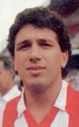 Eusebio Sacristan, centrocampista español