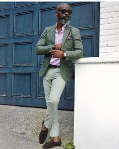 #style #fashion #wear #menfashion #outfit #menstyle #bespoke #menswear #ootd #suit #suitandtie #gentlemen #sprezzatura #gq #pittiuomo #pitti #istanbul #dapper #tailored #sartorial #inspirationsluxury #inspirationsstyle #men #mens #pitti92 #italy #istanbul #detail #details