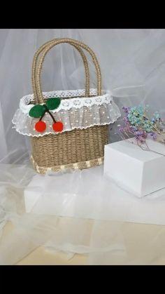 Diy Crafts Hacks, Craft Stick Crafts, Preschool Crafts, Crafts For Kids, Baby Room Design, Paper Crafts Origami, Easy Gifts, Creative Crafts, Diy Flowers