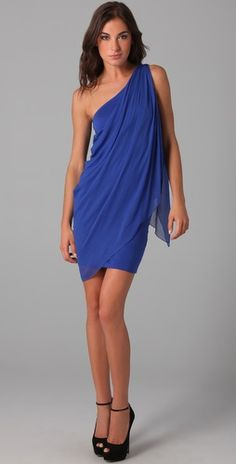 i am sooo in love with this alice+olivia draped one shoulder dress!! except my size is sold out :( wah.