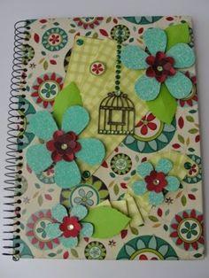 Cadernos personalizados.
