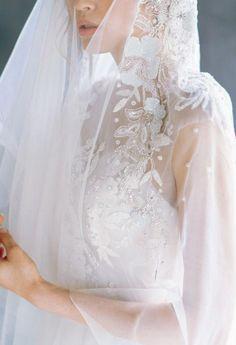 Wedding Dress Types, Bridal Party Dresses, Evening Dresses For Weddings, Wedding Dress Trends, Wedding Veil, Bridal Gowns, Wedding Gowns, Lace Wedding, Wedding Styles