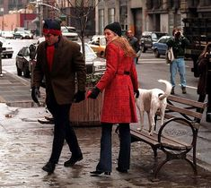 jfk jr and  carolyn bessette kennedy walking and picking up after Friday <3
