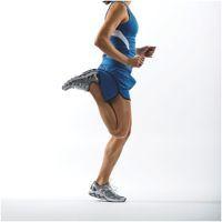 Five Technique Drills For Better Running – Triathlete Stretches Before Running, Warm Up Stretches, Dynamic Warm Up, Benefits Of Running, Dynamic Stretching, Butt Kicks, Workout Warm Up, Running Women, Triathlon