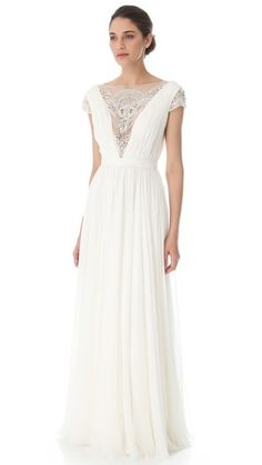 Reem+Acra+gown+with+plunging+beaded+neckline+via+rstyle.me.jpg (336×596)