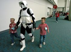 Nos últimos anos, a Comic-Con tem acolhido apresentações de filmes como «Os Vingadores» ou «Capitão América». E nos corredores do Centro de Convenções, centenas vestem-se como a sua personagem favorita.