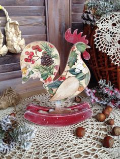 Cardboard Crafts, Wood Crafts, Paper Crafts, Diy Crafts, Diy Christmas Decorations Easy, Christmas Diy, Christmas Bulbs, Chicken Images, Chickens And Roosters